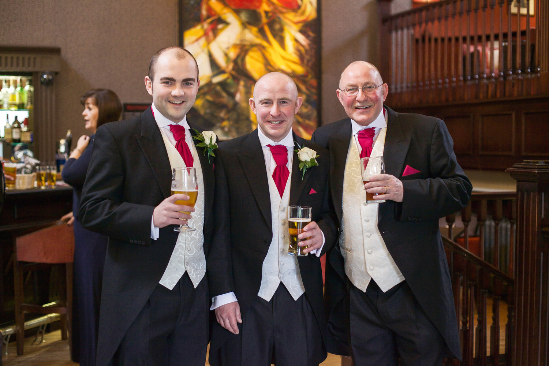 Donnington_Valley_Hotel_Wedding_Photographer_Newbury_Berkshire_011.jpg