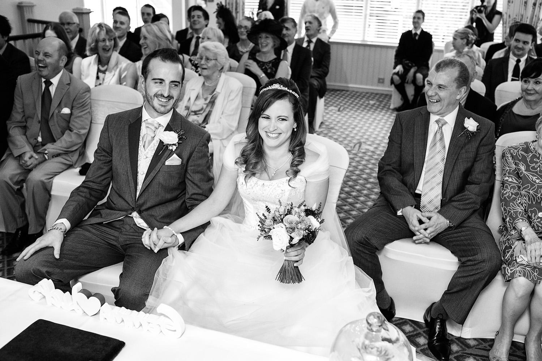 Donnington_Valley_Hotel_Wedding_Photographer_Newbury_Berkshire_017.jpg