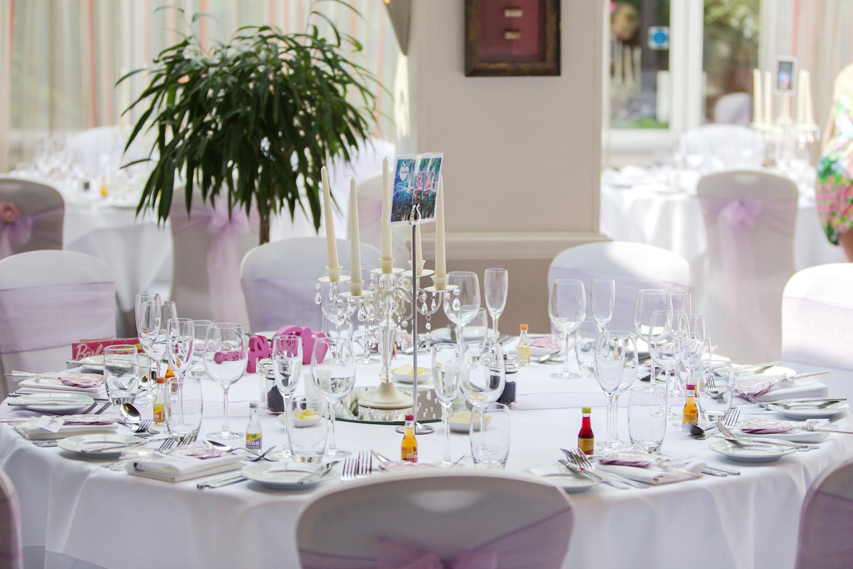 Donnington_Valley_Hotel_Wedding_Photographer_Newbury_Berkshire_027.jpg