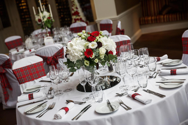 Donnington_Valley_Hotel_Wedding_Photographer_Newbury_Berkshire_047.jpg