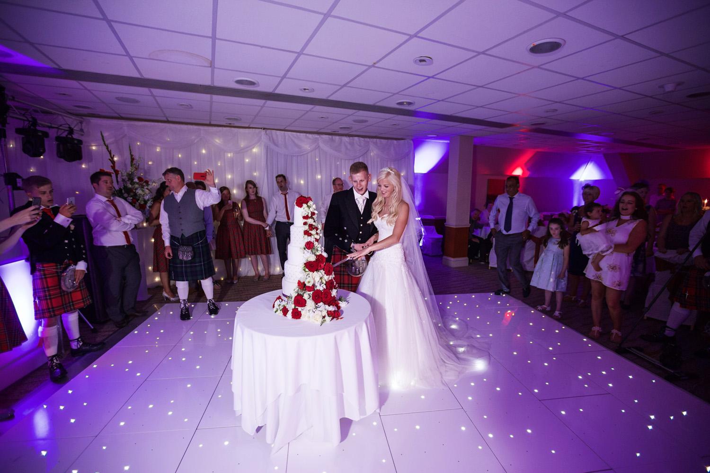 Donnington_Valley_Hotel_Wedding_Photographer_Newbury_Berkshire_053.jpg