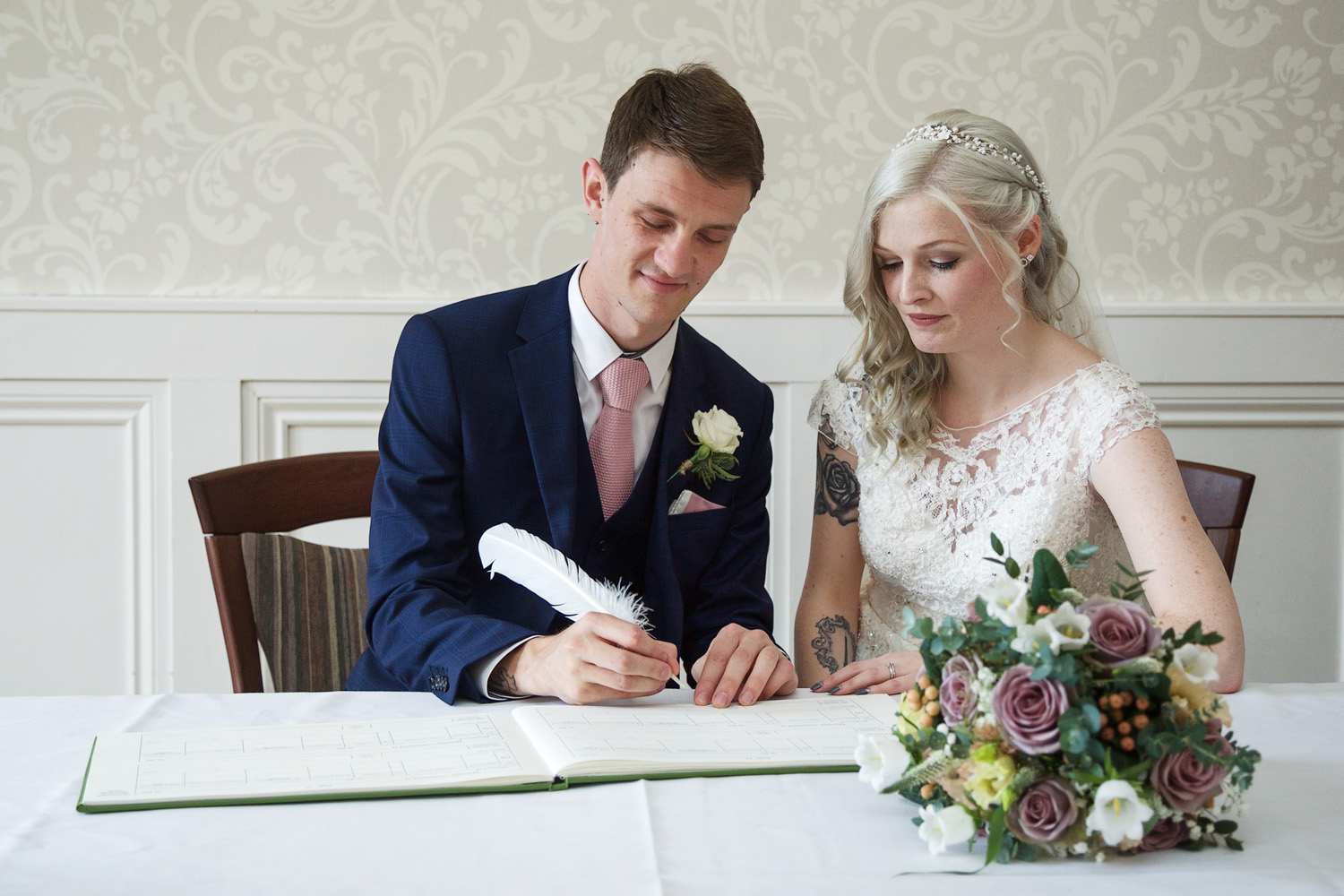 Easthampstead_Park_Wedding_Photographer_Bracknell_Berkshire_034.jpg