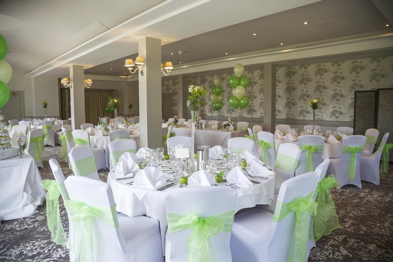 Elcot_Park_Wedding_Photographer_Newbury_Berkshire_006.jpg