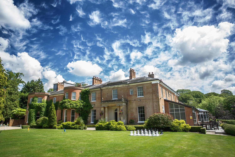 Elcot_Park_Wedding_Photographer_Newbury_Berkshire_025.jpg