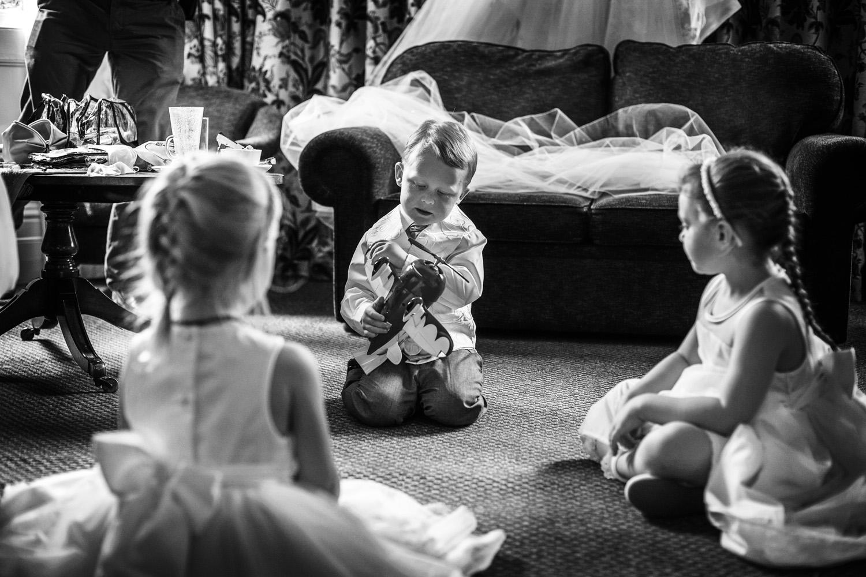 Elcot_Park_Wedding_Photographer_Newbury_Berkshire_026.jpg