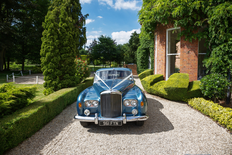 Elcot_Park_Wedding_Photographer_Newbury_Berkshire_027.jpg