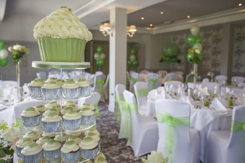 Elcot_Park_Wedding_Photographer_Newbury_Berkshire_031.jpg