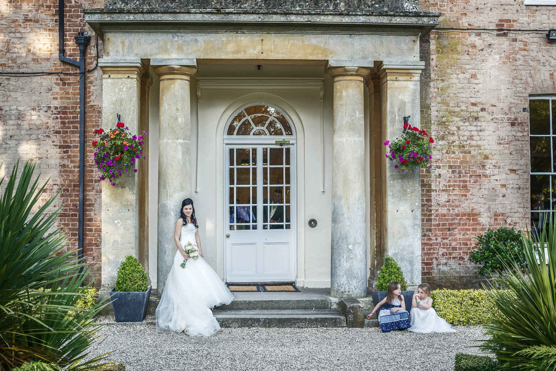 Elcot_Park_Wedding_Photographer_Newbury_Berkshire_033.jpg
