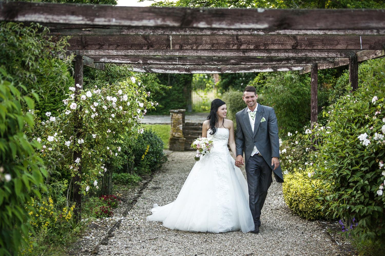Elcot_Park_Wedding_Photographer_Newbury_Berkshire_039.jpg