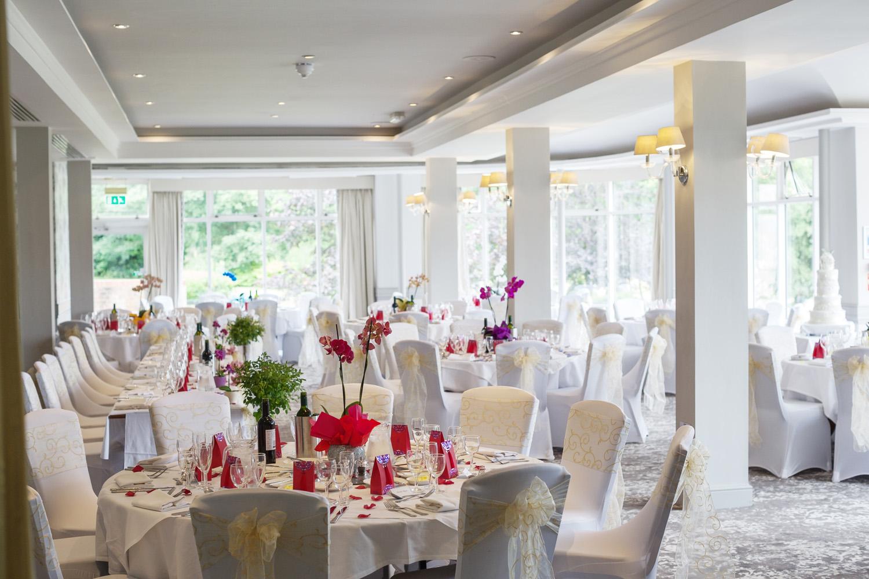 Elcot_Park_Wedding_Photographer_Newbury_Berkshire_047.jpg