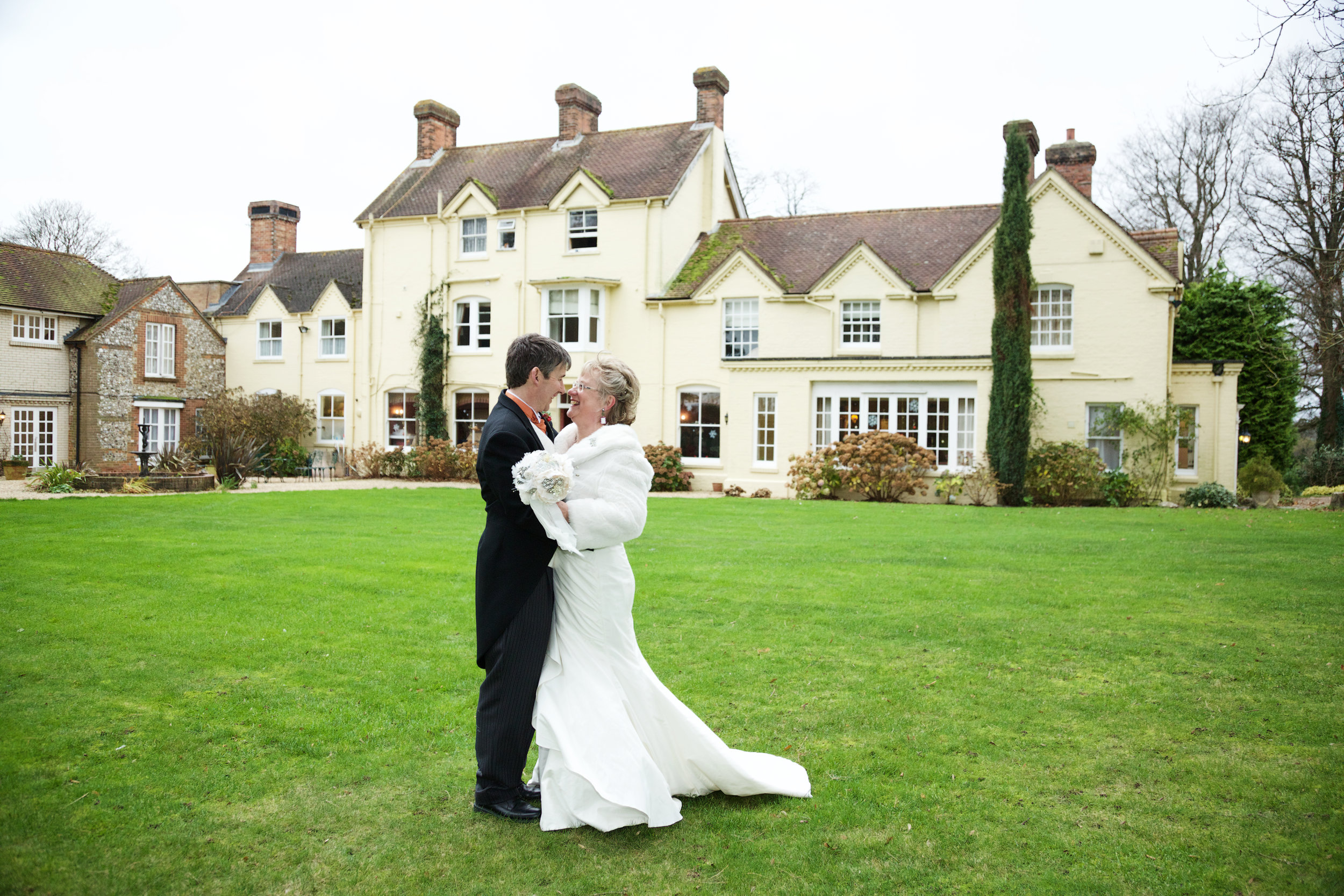 Esseborne_Manor_Wedding_Photographer_Andover_026.jpg