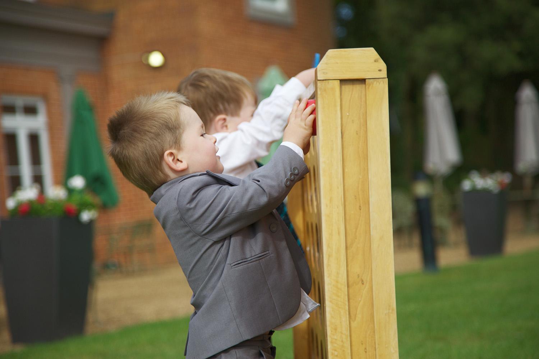 Highfield Park_Wedding_Photographer_Hook_018.jpg