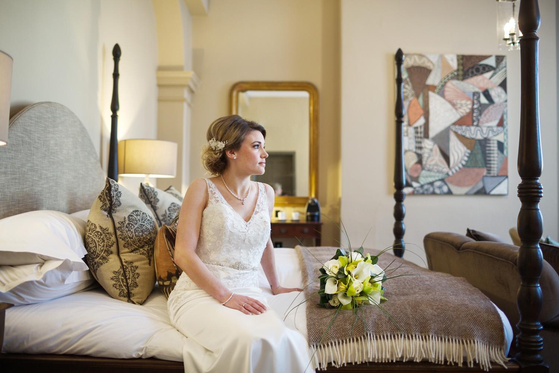 Kings_Head_Hotel_Wedding_Photographer_Cirencester_017.jpg