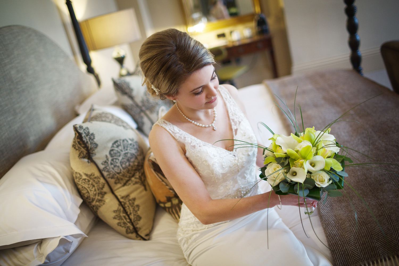 Kings_Head_Hotel_Wedding_Photographer_Cirencester_018.jpg