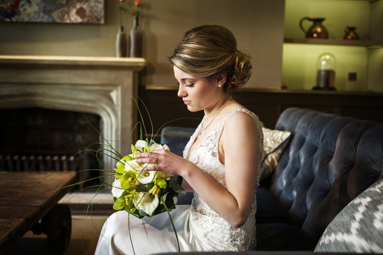 Kings_Head_Hotel_Wedding_Photographer_Cirencester_025.jpg