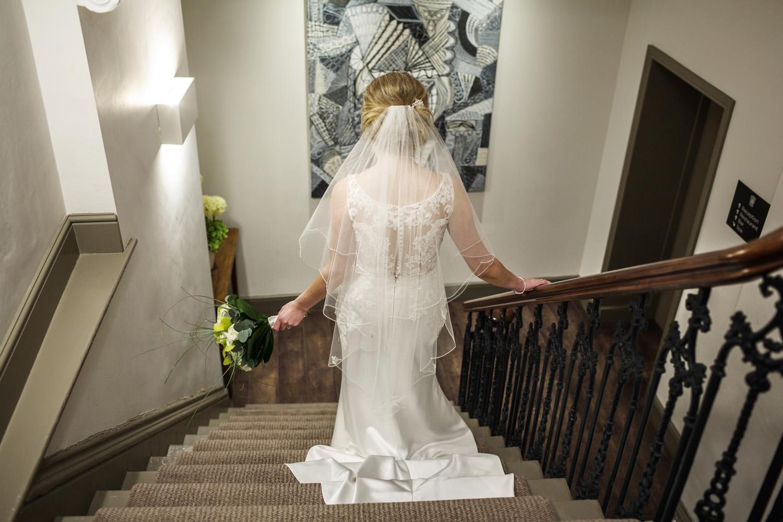 Kings_Head_Hotel_Wedding_Photographer_Cirencester_036.jpg