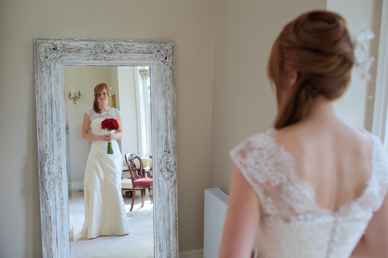 Lains_Barn_Wedding_Photographer_Wantage_004.jpg