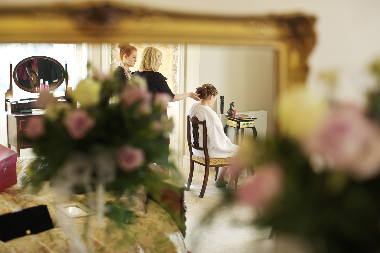 Lains_Barn_Wedding_Photographer_Wantage_008.jpg