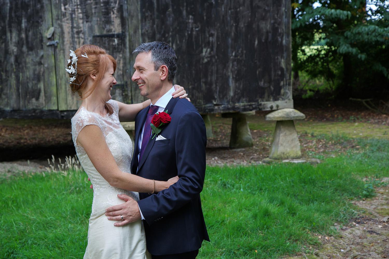 Lains_Barn_Wedding_Photographer_Wantage_011.jpg