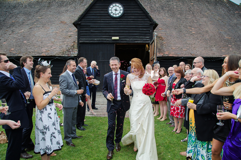 Lains_Barn_Wedding_Photographer_Wantage_016.jpg