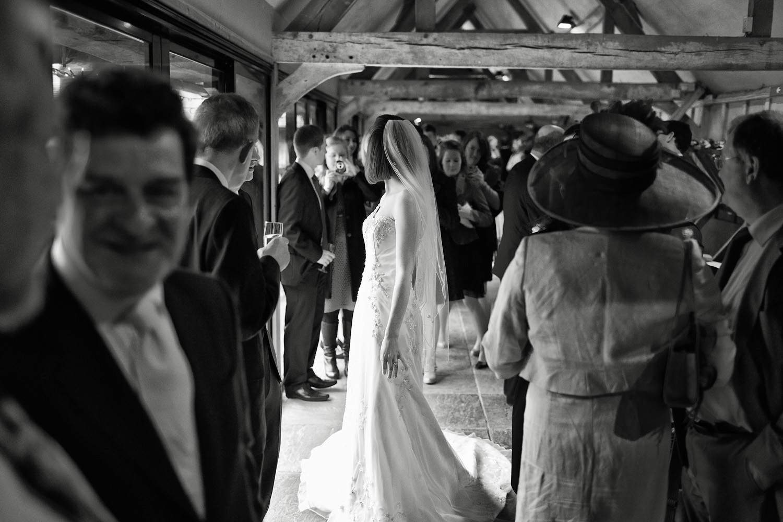 Lains_Barn_Wedding_Photographer_Wantage_025.jpg