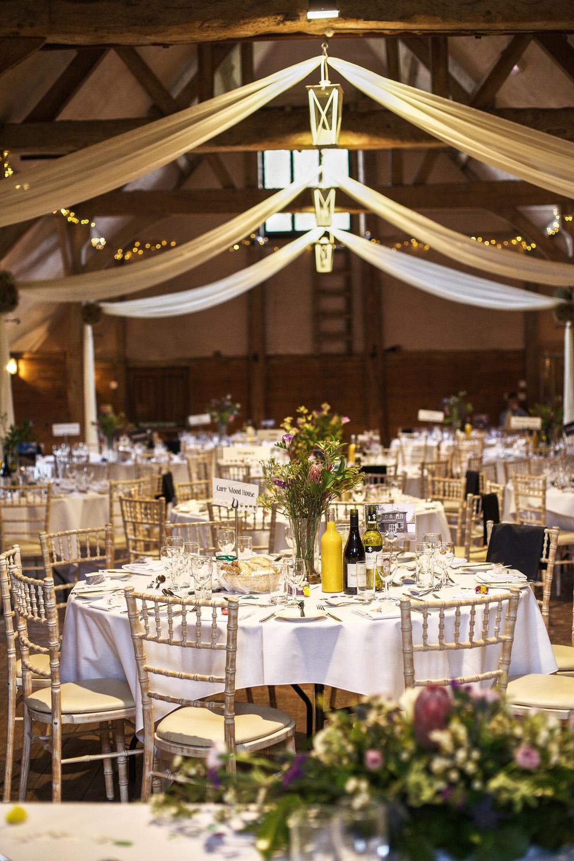 Lains_Barn_Wedding_Photographer_Wantage_036.jpg