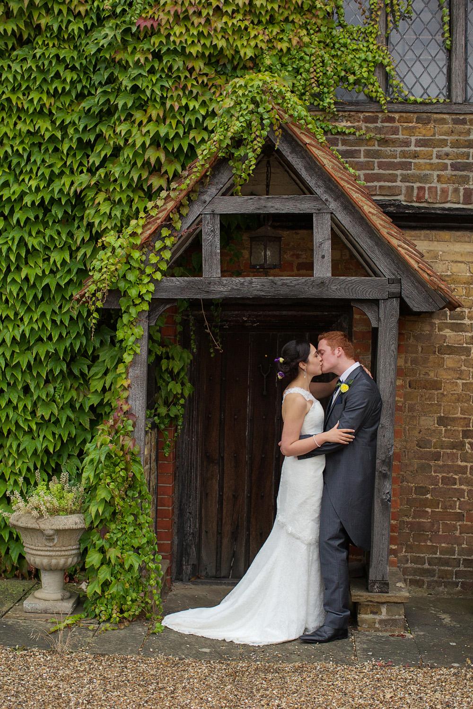 Lillibrooke_Manor_Wedding_Photographer_Maidenhead_012.jpg