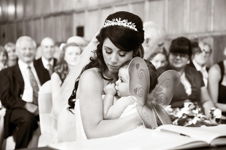 Mill_Hall_Wedding_Photographer_Newbury_Berkshire_003.jpg