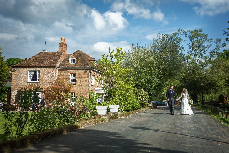 Newbury_Manor_Hotel_Wedding_Photographer_Newbury_Berkshire_011.jpg