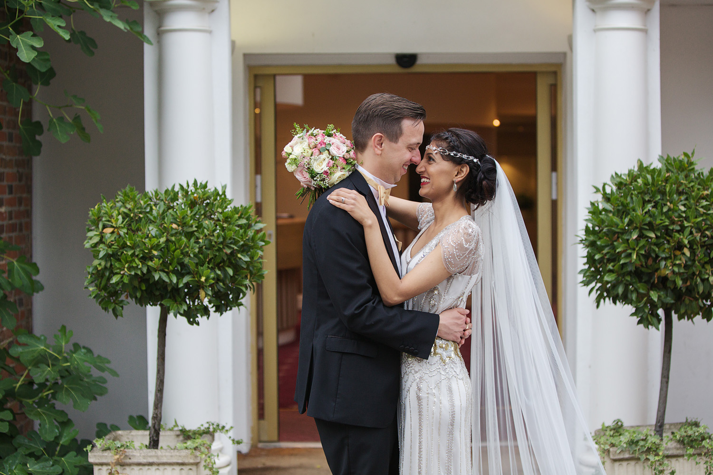 Newbury_Manor_Hotel_Wedding_Photographer_Newbury_Berkshire_013.jpg
