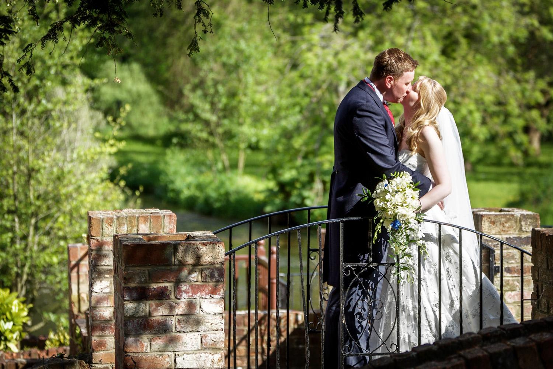 Newbury_Manor_Hotel_Wedding_Photographer_Newbury_Berkshire_035.jpg