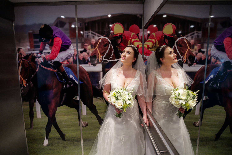 Newbury_Racecourse_Wedding_Photographer_Newbury_Berkshrie_015.jpg