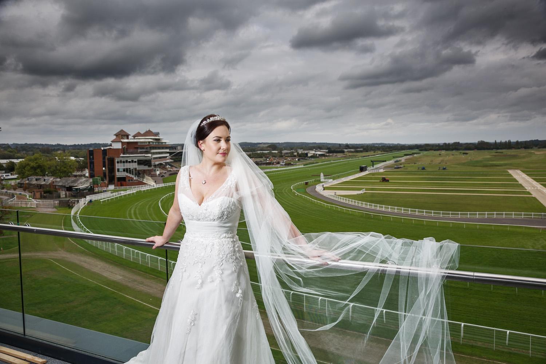 Newbury_Racecourse_Wedding_Photographer_Newbury_Berkshrie_030.jpg