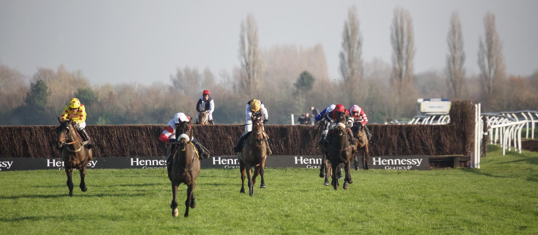 Newbury_Racecourse_Wedding_Photographer_Newbury_Berkshrie_052.jpg