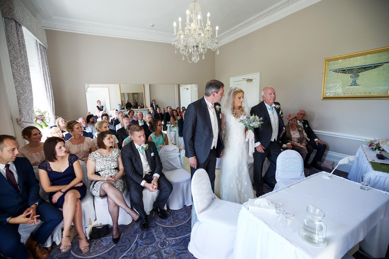Oakley_Hall_Wedding_Photographer_Basingstoke_Hampshire_011.jpg