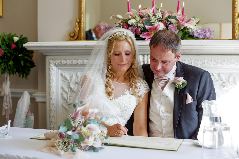 Oakley_Hall_Wedding_Photographer_Basingstoke_Hampshire_012.jpg