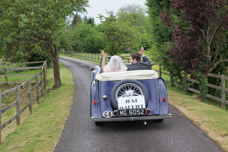 The_Old_Mill_Wedding_Photographer_Aldermaston_005.jpg