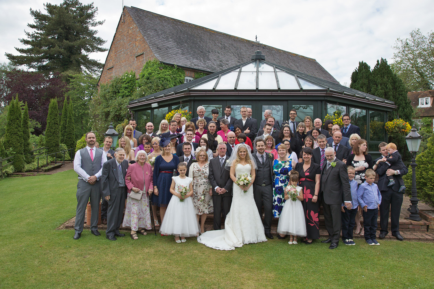 The_Old_Mill_Wedding_Photographer_Aldermaston_007.jpg
