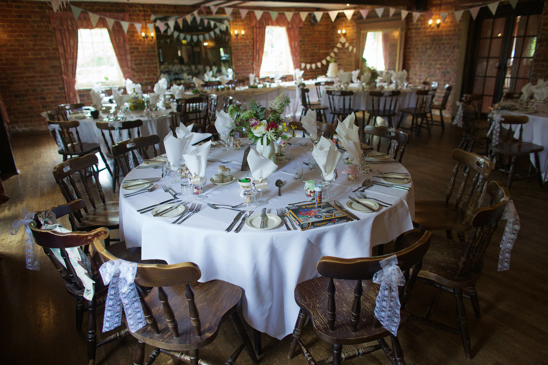 The_Old_Mill_Wedding_Photographer_Aldermaston_014.jpg
