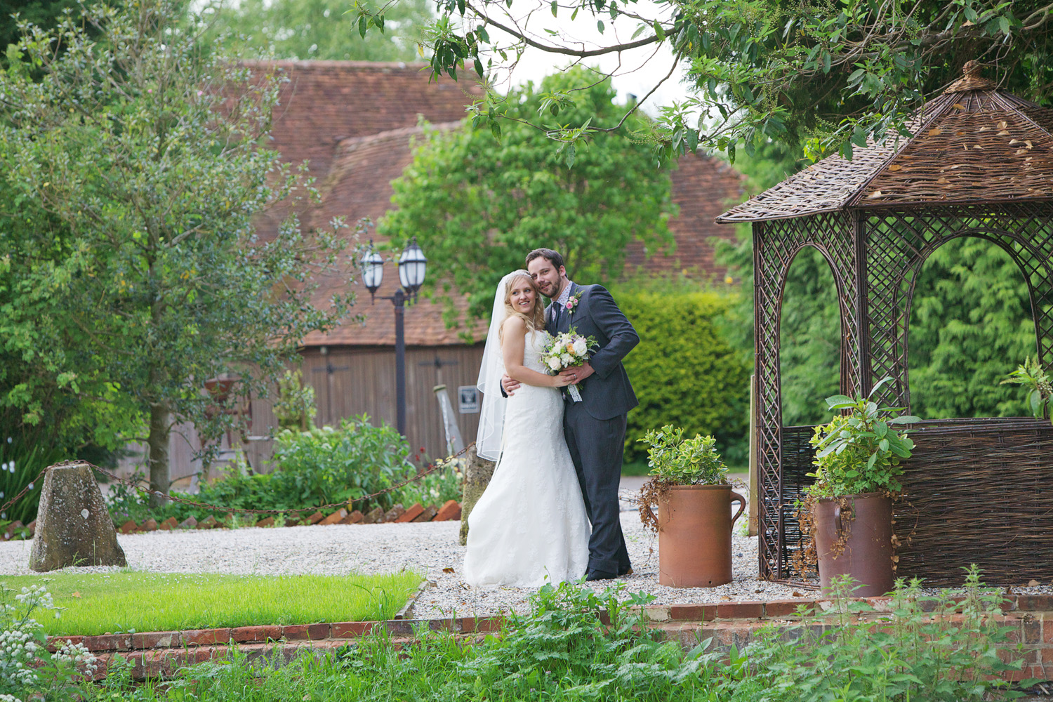 The_Old_Mill_Wedding_Photographer_Aldermaston_025.jpg