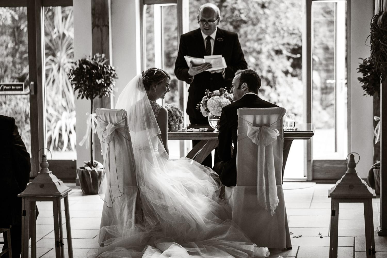 Rivervale_Barn_Wedding_Photographer_Yateley_014.jpg