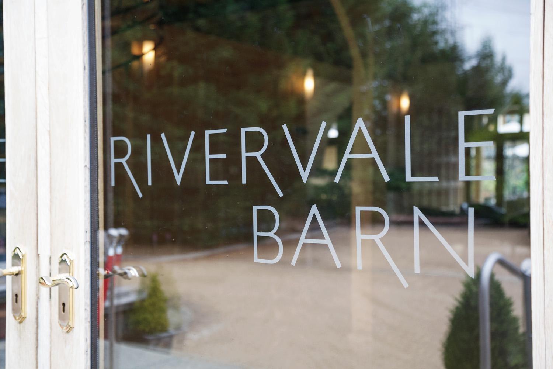 Rivervale_Barn_Wedding_Photographer_Yateley_034.jpg