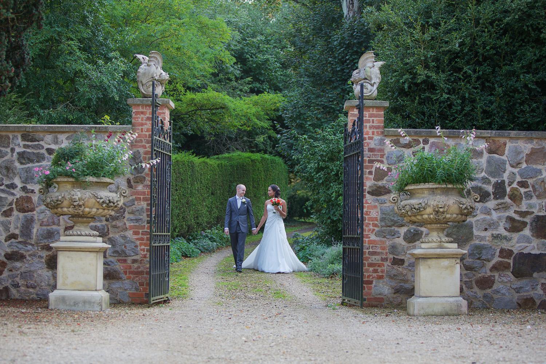 Rockley Manor_Wedding_Photographer_Marlborough_021.jpg