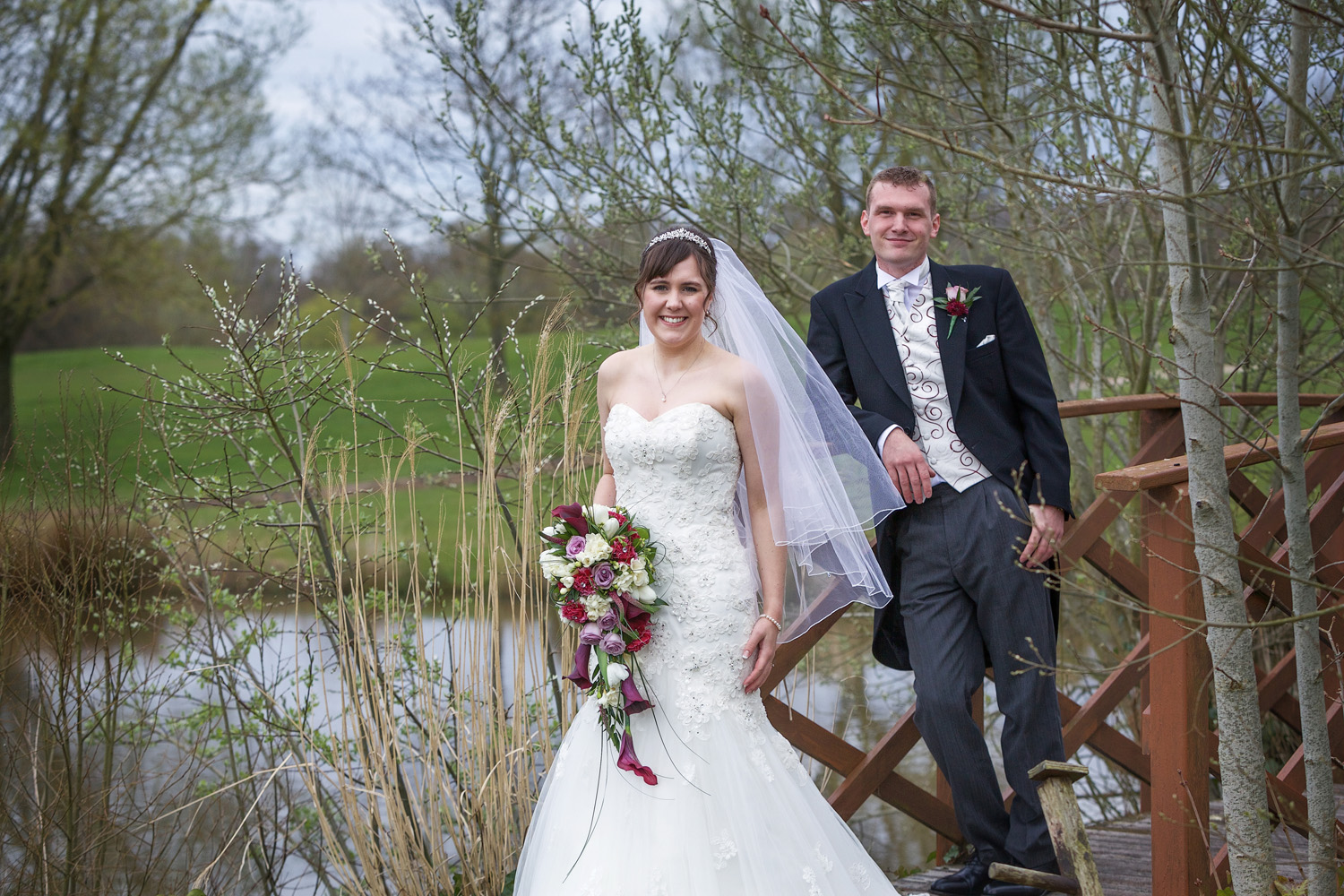 Sandford_Springs_Wedding_Photographer_Newbury_022.jpg