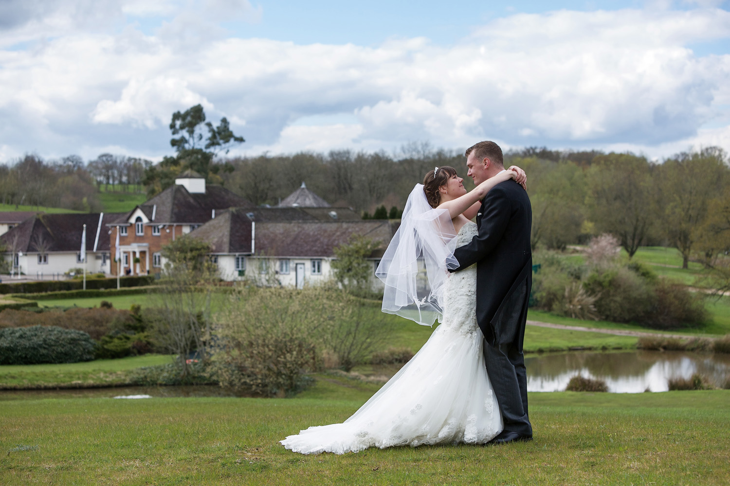 Sandford_Springs_Wedding_Photographer_Newbury_027.jpg