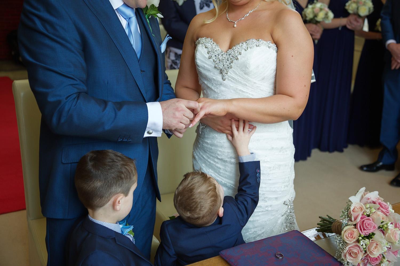 Shaw_House_Wedding_Photographer_Newbury_Berkshire_024.jpg