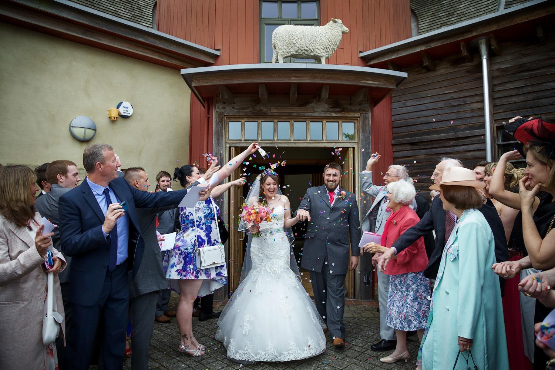 Sheepdrove_Eco_Centre_Wedding_Photographer_Hungerford_Berkshire_031.jpg