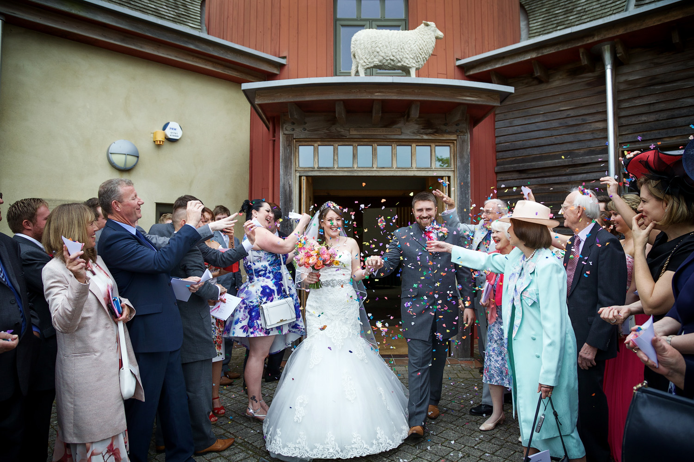 Sheepdrove_Eco_Centre_Wedding_Photographer_Hungerford_Berkshire_032.jpg