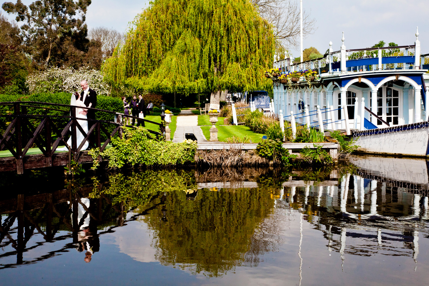 Swan_At_Streatley_Wedding_Photographer_Reading_009.jpg