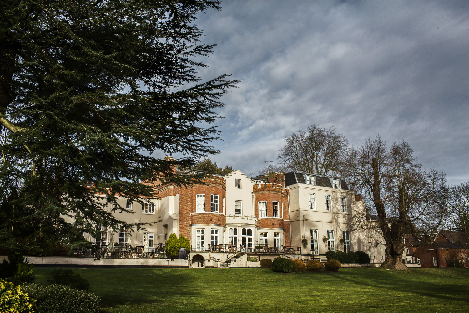 Taplow_House_Hotel_Wedding_Photographer_Maidenhead_018.jpg